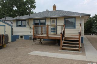 Photo 37: 118 3rd Avenue West in Gravelbourg: Residential for sale : MLS®# SK864838