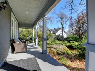 Photo 27: 1086 W Burnside Rd in VICTORIA: SW Strawberry Vale House for sale (Saanich West)  : MLS®# 812559