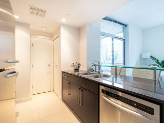 Photo 13: 1106 638 BEACH CRESCENT in Vancouver: Yaletown Condo for sale (Vancouver West)  : MLS®# R2499986