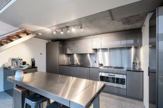 """Photo 6: PH610 1540 W 2ND Avenue in Vancouver: False Creek Condo for sale in """"The Waterfall Building"""" (Vancouver West)  : MLS®# R2580752"""