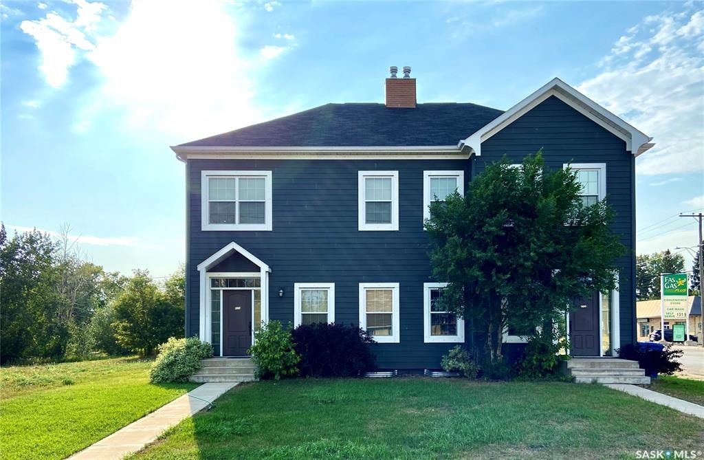 Main Photo: A 422 St Mary Street in Esterhazy: Residential for sale : MLS®# SK868437