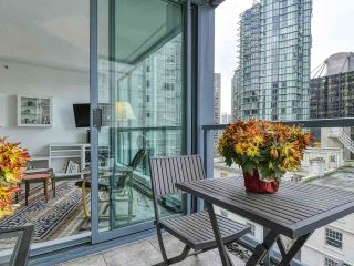 """Photo 16: 1002 1238 MELVILLE Street in Vancouver: Coal Harbour Condo for sale in """"Pointe Claire"""" (Vancouver West)  : MLS®# R2416117"""