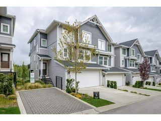 """Photo 2: 17 15717 MOUNTAIN VIEW Drive in Surrey: Grandview Surrey Townhouse for sale in """"Olivia"""" (South Surrey White Rock)  : MLS®# R2572266"""