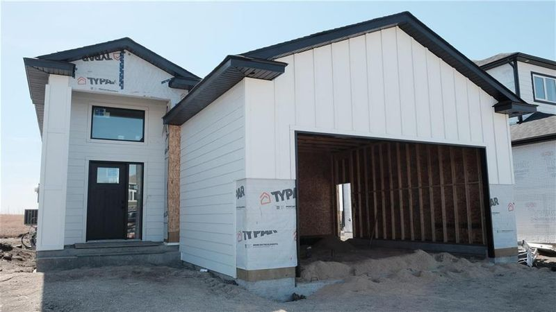 FEATURED LISTING: 33 Aberdeen Drive Niverville