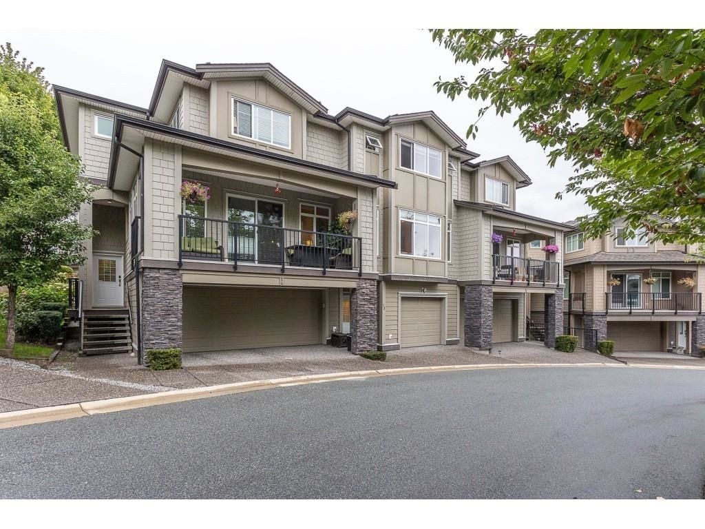 """Main Photo: 13 22865 TELOSKY Avenue in Maple Ridge: East Central Townhouse for sale in """"WINDSONG"""" : MLS®# R2610706"""