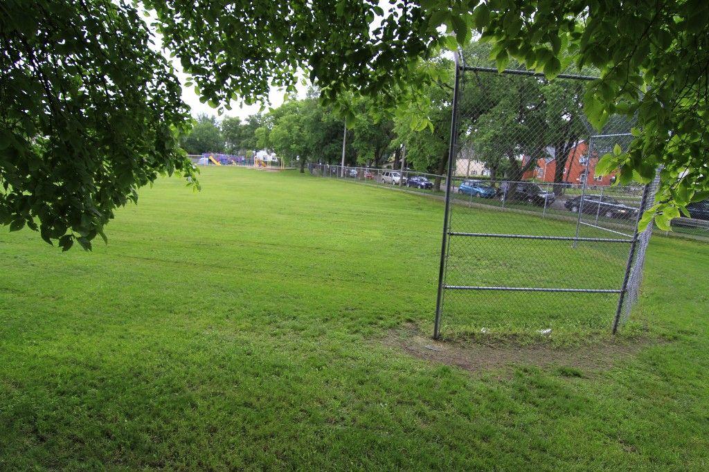 Photo 52: Photos: 470 Clifton Street in Winnipeg: Wolseley Single Family Detached for sale (West Winnipeg)  : MLS®# 1314152