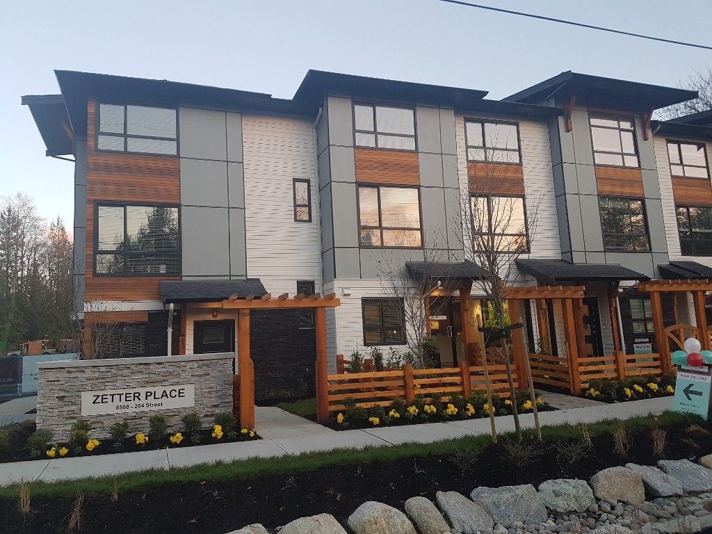 Main Photo: 59 8508 204 st in Langley: Willoughby Heights Townhouse for sale : MLS®# R2124332