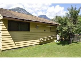 Photo 5: 38841 GAMBIER Avenue in Squamish: Dentville House for sale : MLS®# R2087171