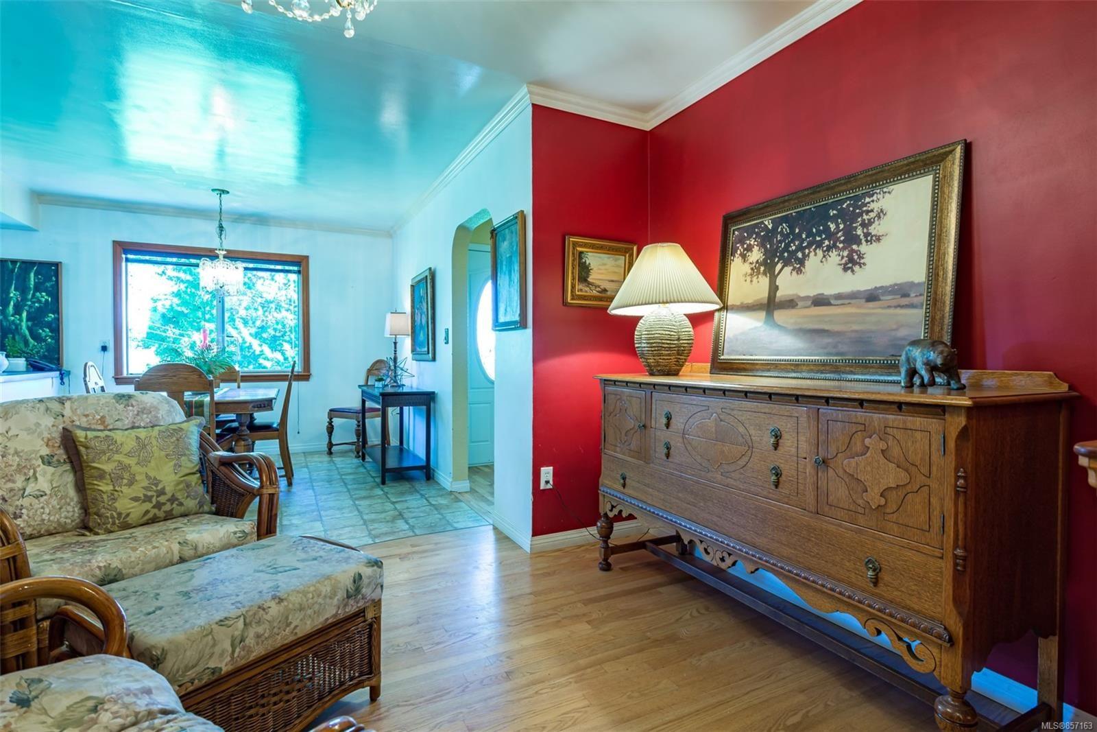 Photo 23: Photos: 4241 Buddington Rd in : CV Courtenay South House for sale (Comox Valley)  : MLS®# 857163