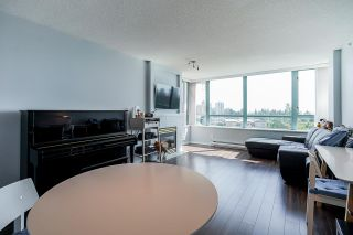 "Photo 7: 805 6622 SOUTHOAKS Crescent in Burnaby: Highgate Condo for sale in ""The Gibraltar"" (Burnaby South)  : MLS®# R2488698"