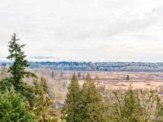 Photo 7: 301 MARINER Way in Coquitlam: Coquitlam East House for sale : MLS®# R2533632