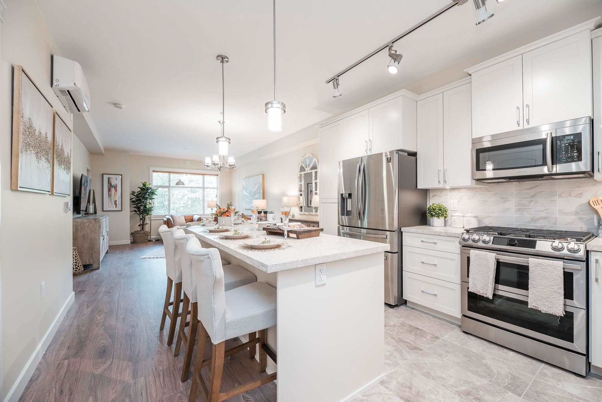 Main Photo: 301 20328 86 Avenue in Langley: Willoughby Heights Condo for sale : MLS®# R2603617