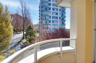 """Photo 22: 401 1406 HARWOOD Street in Vancouver: West End VW Condo for sale in """"JULIA COURT"""" (Vancouver West)  : MLS®# R2568055"""