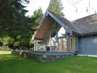 Main Photo: 1430 BONNIEBROOK HEIGHTS Road in Gibsons: Gibsons & Area House for sale (Sunshine Coast)  : MLS®# R2442526