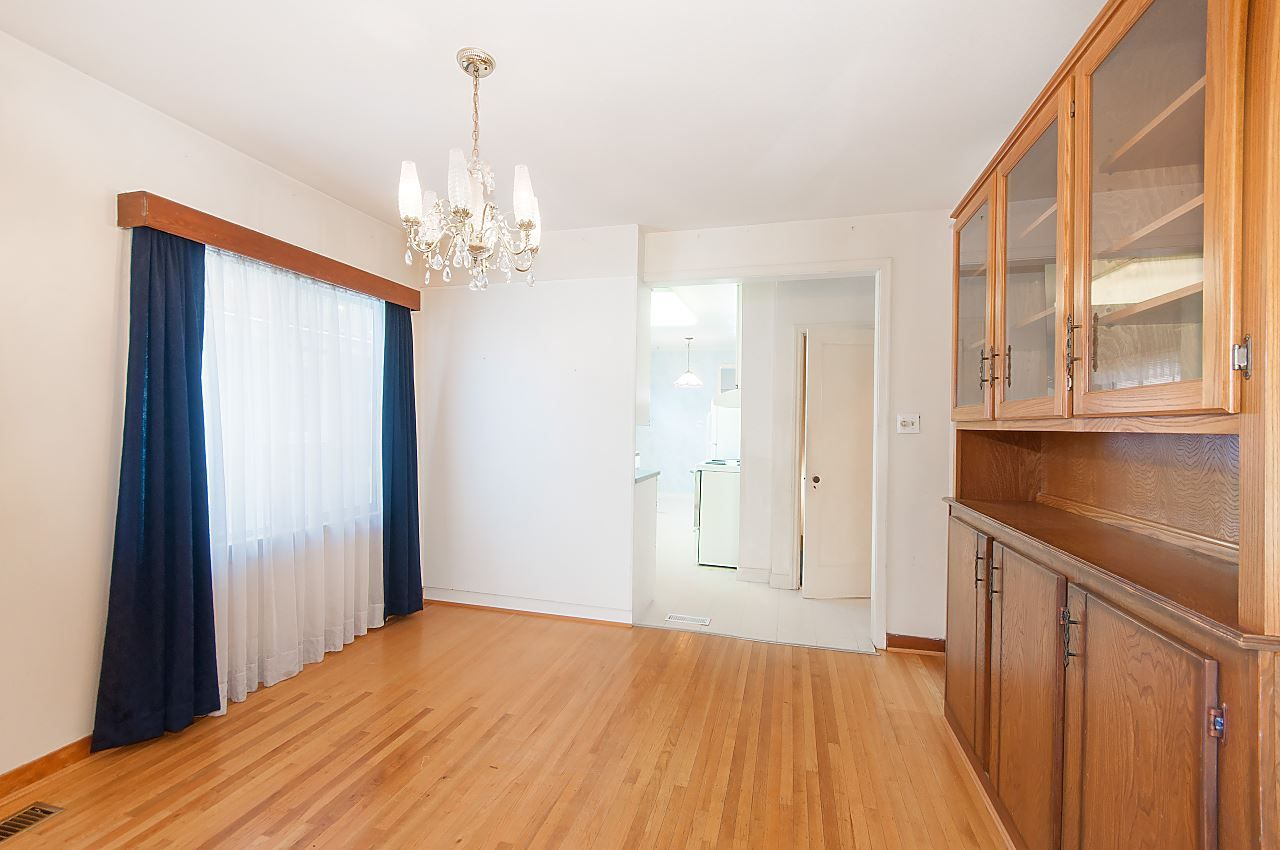 Photo 3: Photos: 1671 W 64TH Avenue in Vancouver: South Granville House for sale (Vancouver West)  : MLS®# R2347397