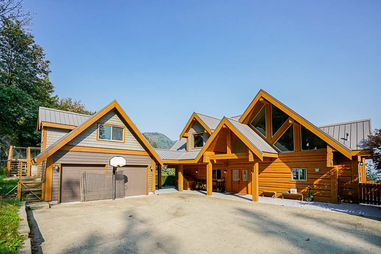Main Photo: 3757 ELDRIDGE Road in Abbotsford: Sumas Mountain House for sale : MLS®# R2507341
