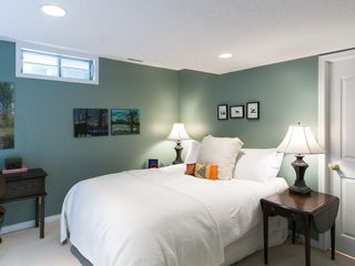 Photo 48: 2410 BAY VIEW Place SW in Calgary: Bayview House for sale : MLS®# C4137956