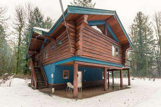 "Photo 3: 2020 PARADISE VALLEY Road in Squamish: Paradise Valley House for sale in ""Paradise Valley"" : MLS®# R2131666"
