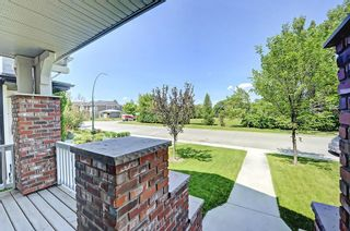 Photo 3: 533 26 Avenue NW in Calgary: Mount Pleasant Detached for sale : MLS®# C4223584