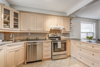 Photo 12: 264 Ryding Avenue in Toronto: Junction Area House (2-Storey) for sale (Toronto W02)  : MLS®# W4415963