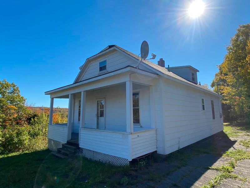 FEATURED LISTING: 5146 Stellarton Trafalgar Road Eureka
