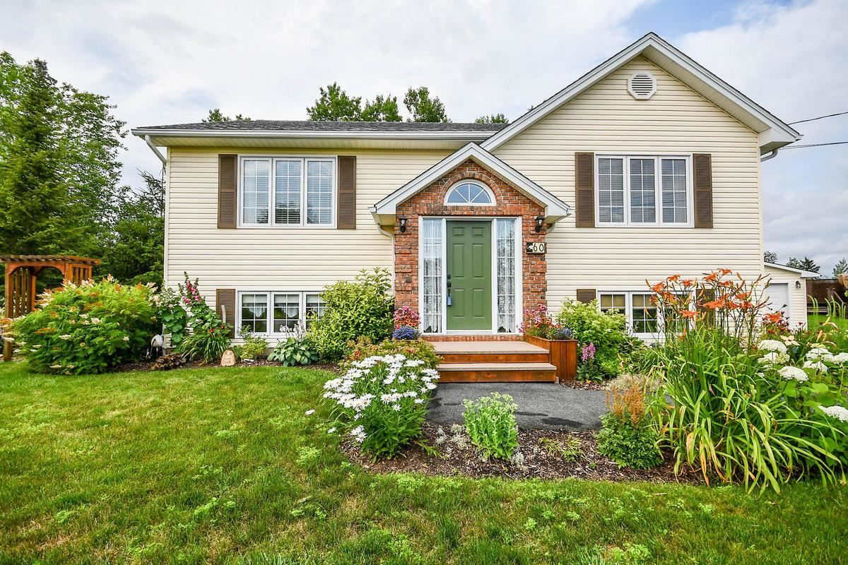 Main Photo: 60 MacMillan Drive in Elmsdale: 105-East Hants/Colchester West Residential for sale (Halifax-Dartmouth)  : MLS®# 202118708