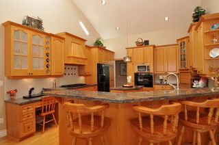 Photo 25: 2305 139A Street in Chantrell Park: Home for sale : MLS®# f1317444