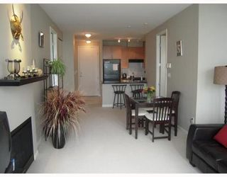 Photo 5: 902 6833 STATION HILL Drive in Burnaby South: South Slope Home for sale ()  : MLS®# V773658