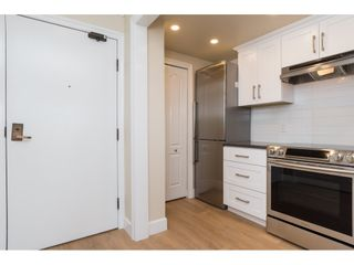 """Photo 2: 410 15111 RUSSELL Avenue: White Rock Condo for sale in """"PACIFIC TERRACE"""" (South Surrey White Rock)  : MLS®# R2152299"""