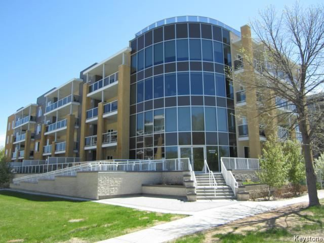 Main Photo: 301 - 760 Tache: Condominium for sale (2A)  : MLS®# 1813703