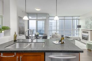 """Photo 12: 3102 1189 MELVILLE Street in Vancouver: Coal Harbour Condo for sale in """"THE MELVILLE"""" (Vancouver West)  : MLS®# R2457836"""