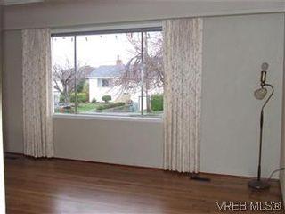 Photo 5: 1444 Stroud Rd in VICTORIA: Vi Oaklands House for sale (Victoria)  : MLS®# 556396