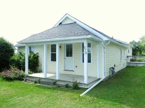 Main Photo: 679 Simcoe Street in Brock: Beaverton House (Bungalow) for sale : MLS®# N2987976