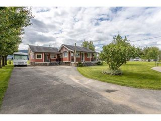 Photo 1: 37242 MCKAMIE Road in Mission: Dewdney Deroche House for sale : MLS®# R2458953