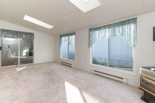 Photo 5: 26 7401 Central Saanich Rd in : CS Hawthorne Manufactured Home for sale (Central Saanich)  : MLS®# 867488