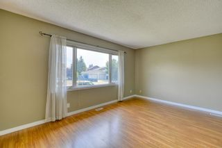Photo 3: 128 Shawmeadows Crescent SW in Calgary: Shawnessy Detached for sale : MLS®# A1129077