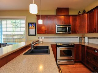 Photo 6: 12 2112 CUMBERLAND ROAD in COURTENAY: CV Courtenay City Row/Townhouse for sale (Comox Valley)  : MLS®# 781680