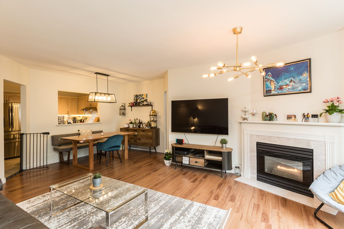 Photo 3: Photos: #8-3701 THURSTON ST in BURNABY: Central Park BS Condo for sale (Burnaby South)  : MLS®# R2572861