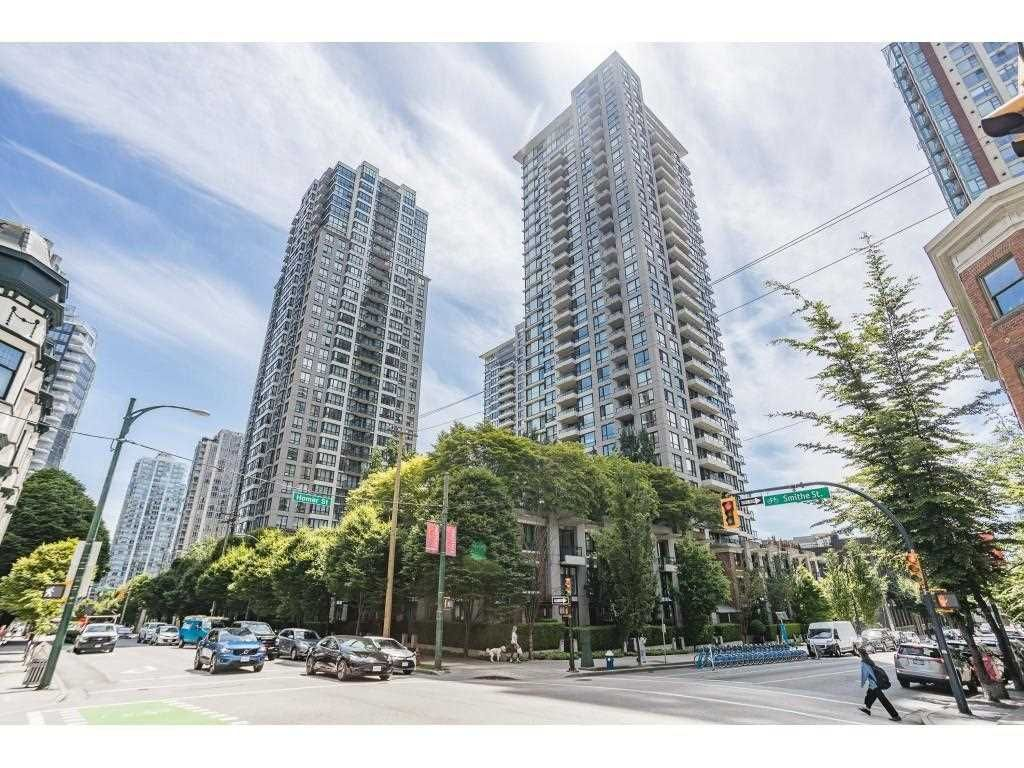 """Main Photo: 409 928 HOMER Street in Vancouver: Yaletown Condo for sale in """"Yaletown Park 1"""" (Vancouver West)  : MLS®# R2590360"""