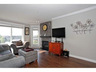 """Photo 6: 403 5759 GLOVER Road in Langley: Langley City Condo for sale in """"COLLEGE COURT"""" : MLS®# F1442596"""