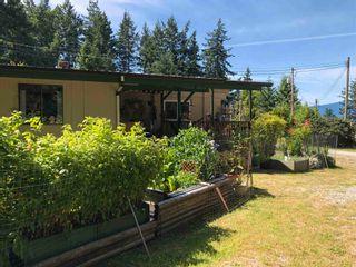 "Photo 4: 11 12248 SUNSHINE COAST Highway in Madeira Park: Pender Harbour Egmont Manufactured Home for sale in ""7 ISLES MOBILE HOME PARK"" (Sunshine Coast)  : MLS®# R2621280"
