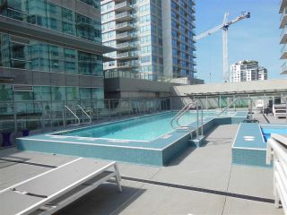 """Photo 15: 1805 125 E 14TH Street in North Vancouver: Central Lonsdale Condo for sale in """"Centreview Tower B"""" : MLS®# R2364010"""