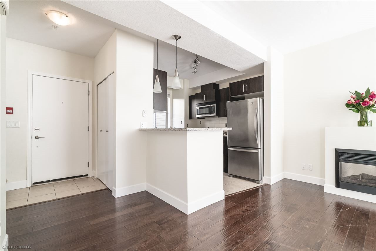"""Main Photo: 235 2108 ROWLAND Street in Port Coquitlam: Central Pt Coquitlam Townhouse for sale in """"AVIVA"""" : MLS®# R2518678"""