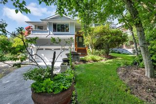 Photo 2: 651 Cairndale Rd in Colwood: Co Triangle House for sale : MLS®# 843816