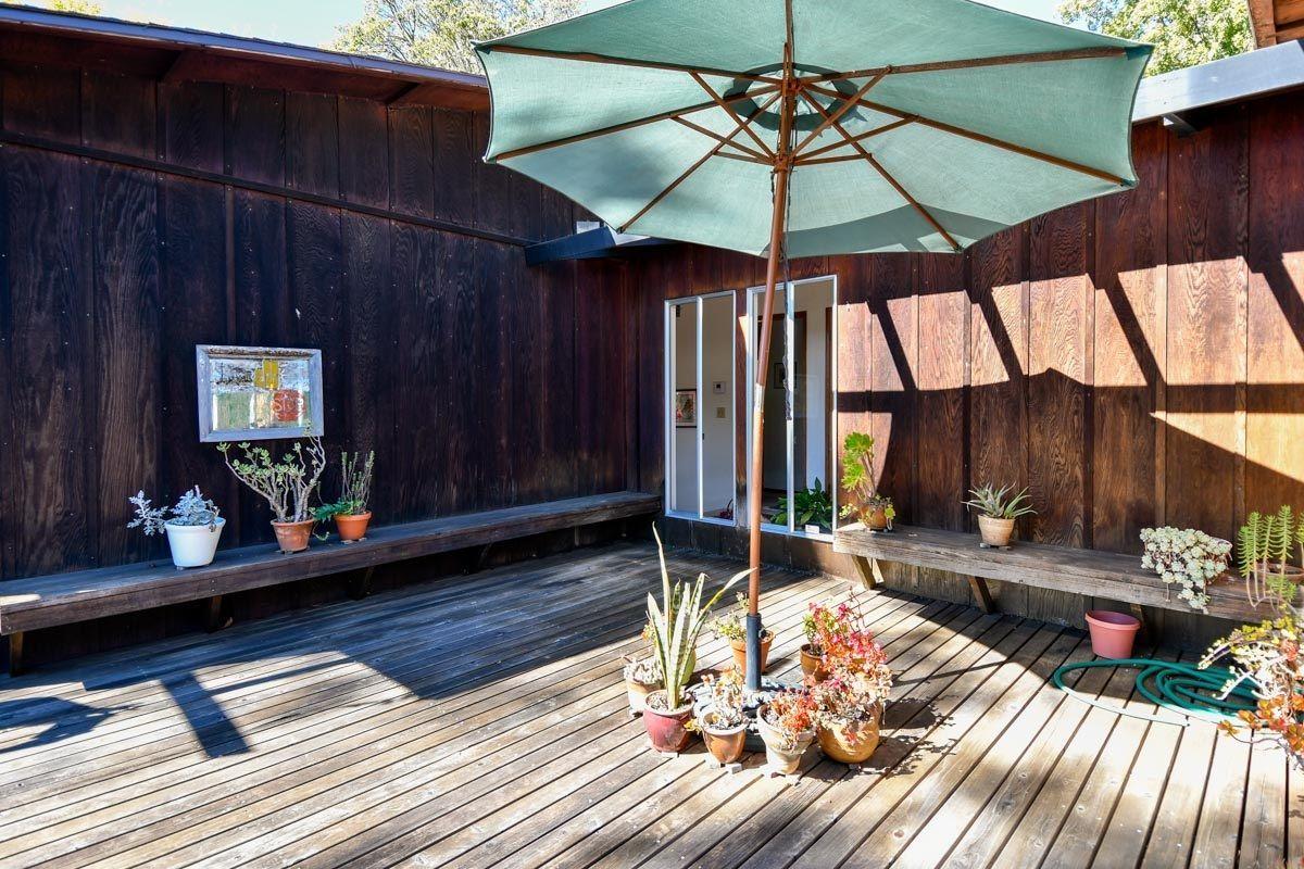 Main Photo: SOUTHWEST ESCONDIDO House for sale : 4 bedrooms : 2854 Calmar Dr in Escondido