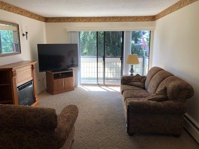 "Main Photo: 310 15020 NORTH BLUFF Road: White Rock Condo for sale in ""North Bluff Village"" (South Surrey White Rock)  : MLS®# R2528693"
