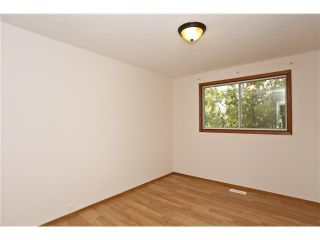 Photo 8: 3439 30A Avenue SE in Calgary: West Dover House for sale : MLS®# C3647470