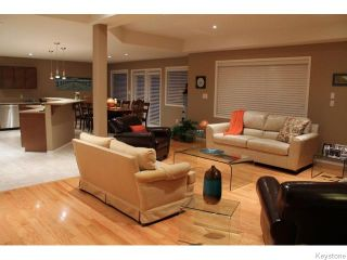 Photo 3: 1132 Fairfield Avenue in Winnipeg: Fort Garry / Whyte Ridge / St Norbert Residential for sale (South Winnipeg)  : MLS®# 1605726