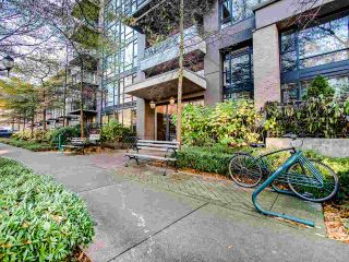 Photo 2: 802 1650 W 7TH Avenue in Vancouver: Fairview VW Condo for sale (Vancouver West)  : MLS®# R2521575
