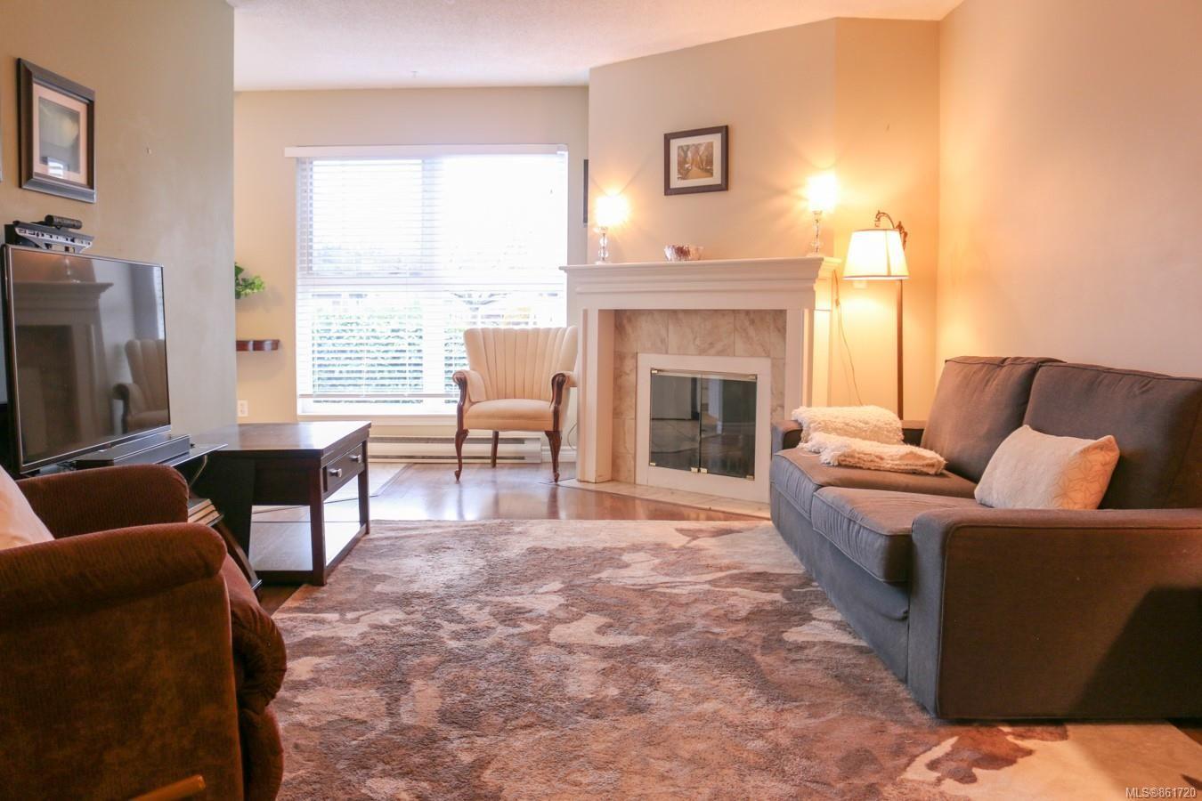 Main Photo: 204 1201 Hillside Ave in : Vi Hillside Condo for sale (Victoria)  : MLS®# 861720